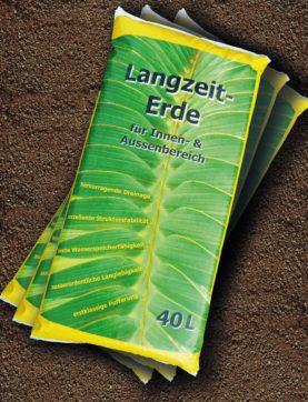 Die Langzeit-Erde ist in vielen Jahren gärtnerischer Praxis aus dem optimierte Mischungsverhältnis aus mineralischen und organischen Komponenten entstanden.